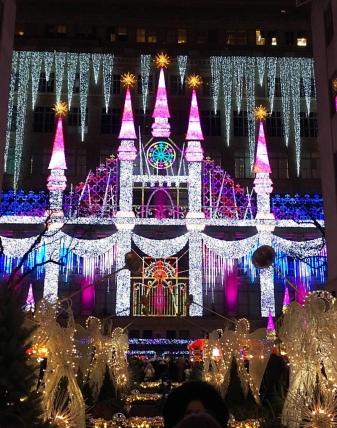 the breathtaking saks fifth avenue light show the rockefeller center christmas tree - Rockefeller Christmas Show